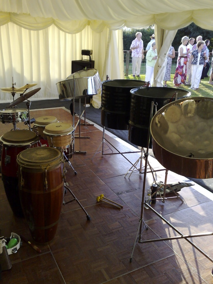 music for summer party Holland park, music for summer party Notting Hill, hire a live ensemble as background music for your summer party 0208 421 2987,