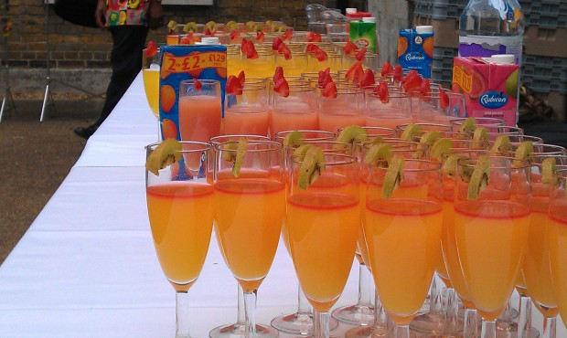 ideas for a drinks party, drinks for a party, what drinks for my party, colourful drinks, best drinks for parties, colourful drink suggestions,
