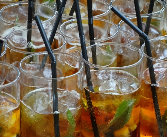 Drinks for a garden party, images of Pimms, what drinks for a garden party, popular ideas for a garden party,