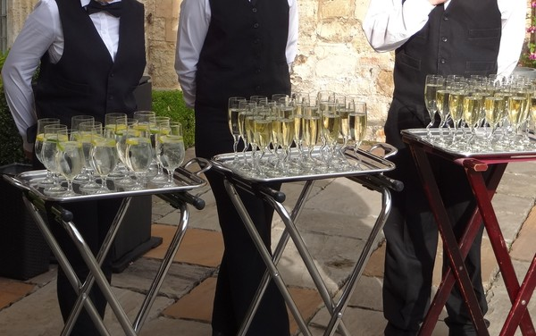 Tips on planning a wedding in London, venues to hire for a wedding in London, places to get married in London, things to do for a wedding, venues for a big wedding London,