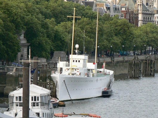 boats on the Embankment, boats for hire London, venues for a birthday party London,