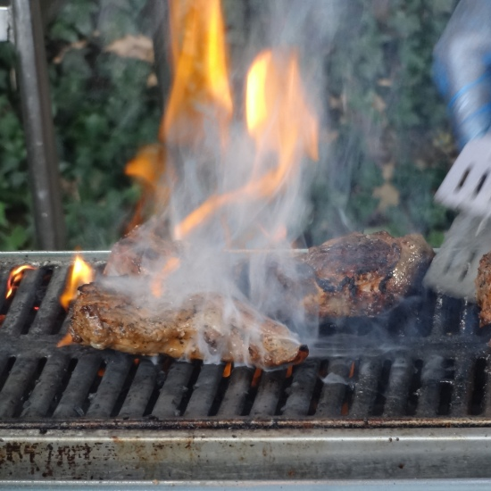 music for summer barbecue, background music for barbecue party, music during a buffet London,