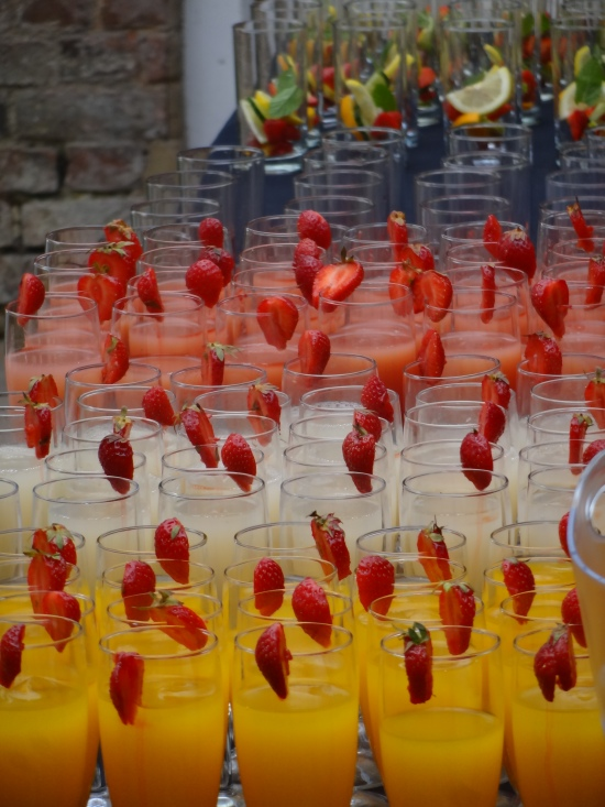 Drinks for a summer party, colour drinks, live music for a drinks party London,