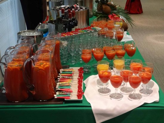 Drinks for Caribbean themed party, entertainment for office drinks party, band for drinks party London,