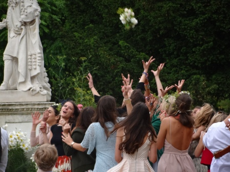 Bouquet toss at The Psychic Gardens